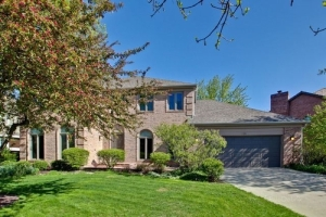 1131 Saint William Drive, Libertyville, IL