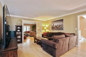 1131 St WIlliam Living Room
